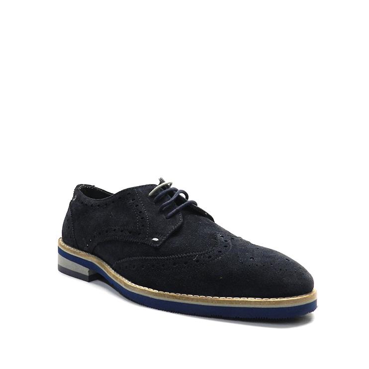 Zapatos con cordones de ante en color azul marino, para hombre, con detalle gravado.