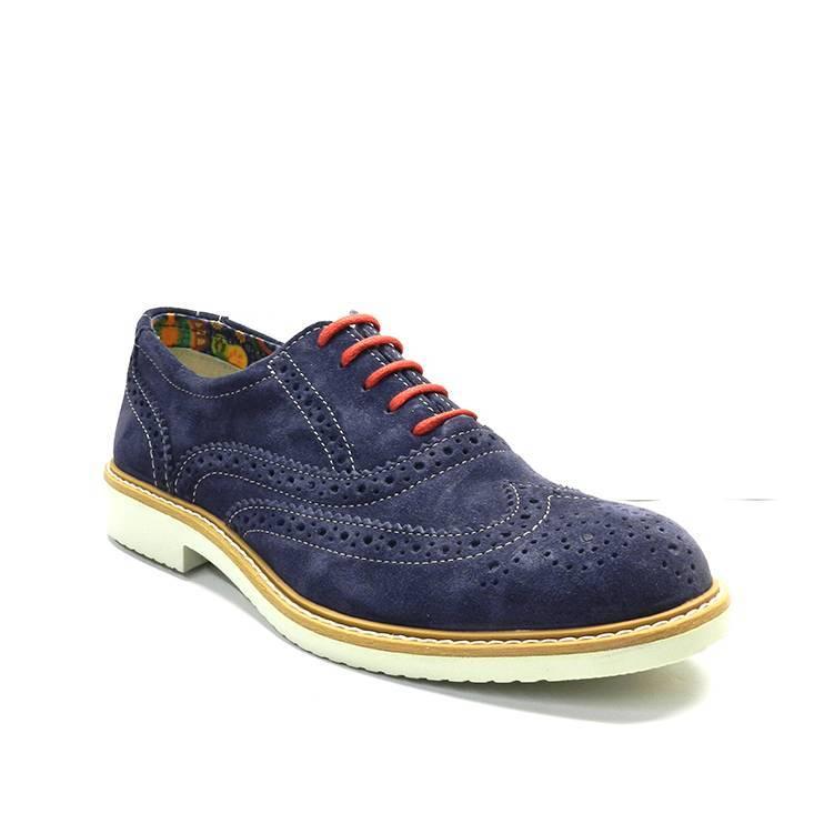 Zapatos de cordones azul marino con pala picada y cordones en rojo
