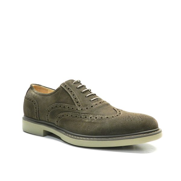Zapatos de cordónes tipo ingles en pala vega de color marron