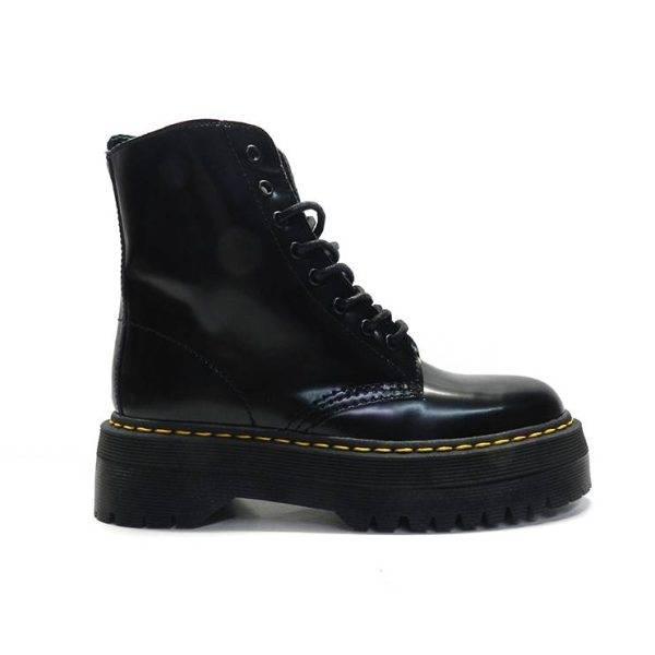 botin en piel negra con cordones estilo militar y plataforma ,marca alpe