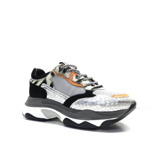 sneakers de cordones en napa con detalles de colores y estampado con pelito cebra, de la marca robin's.