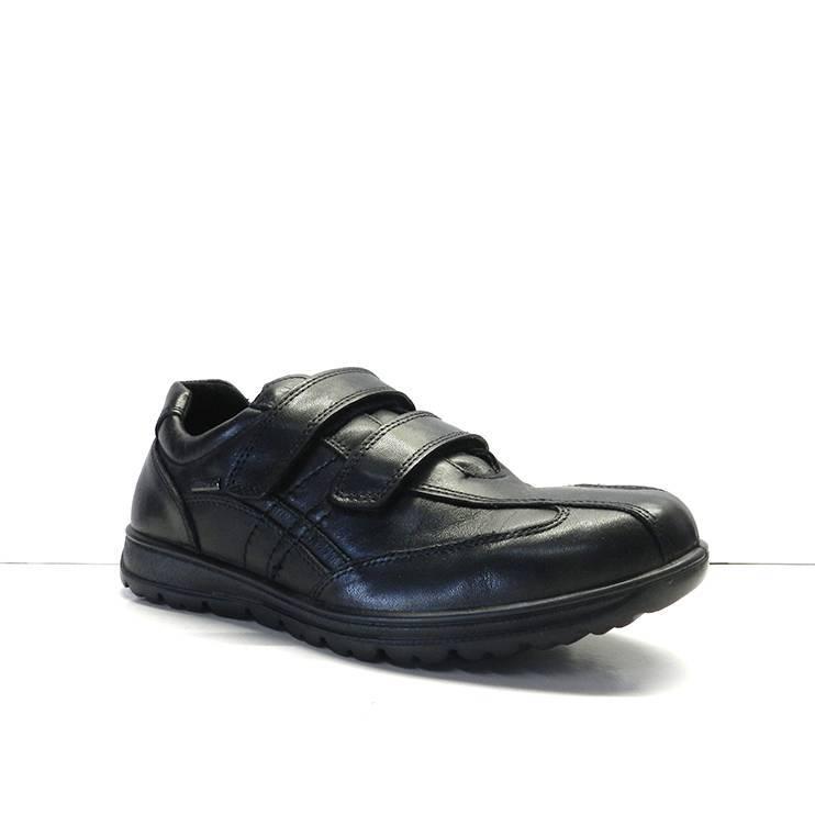Zapatos de piel de color negro con dos velcro,marca imac
