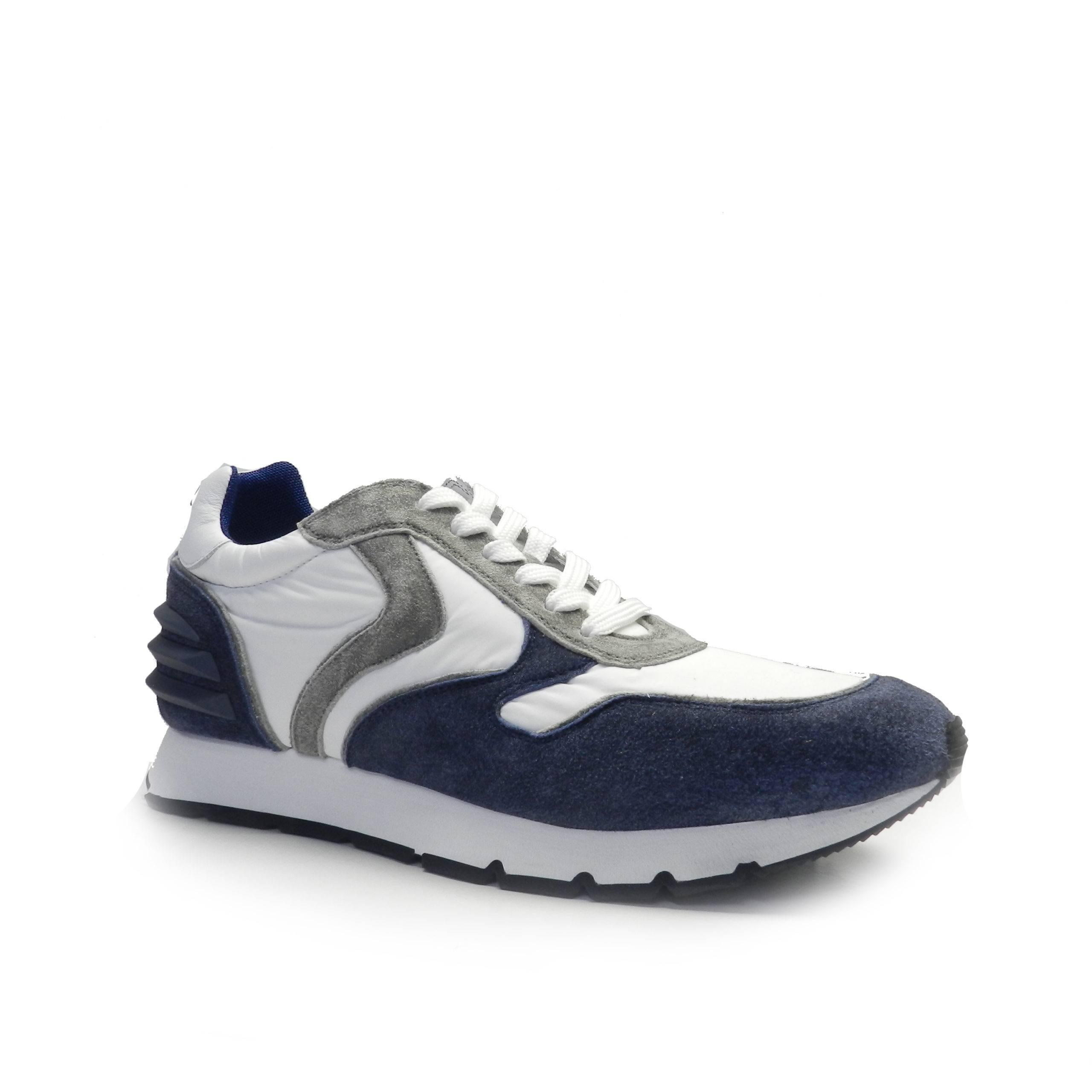 sneakers de cordones combinado en piel de nobuck azul franja gris y nylon blanco, marca Voile Blanche.