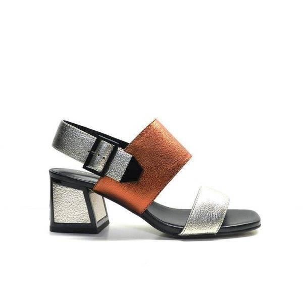 sandalias de tacon en tonos metalizados ,marca bruno premi
