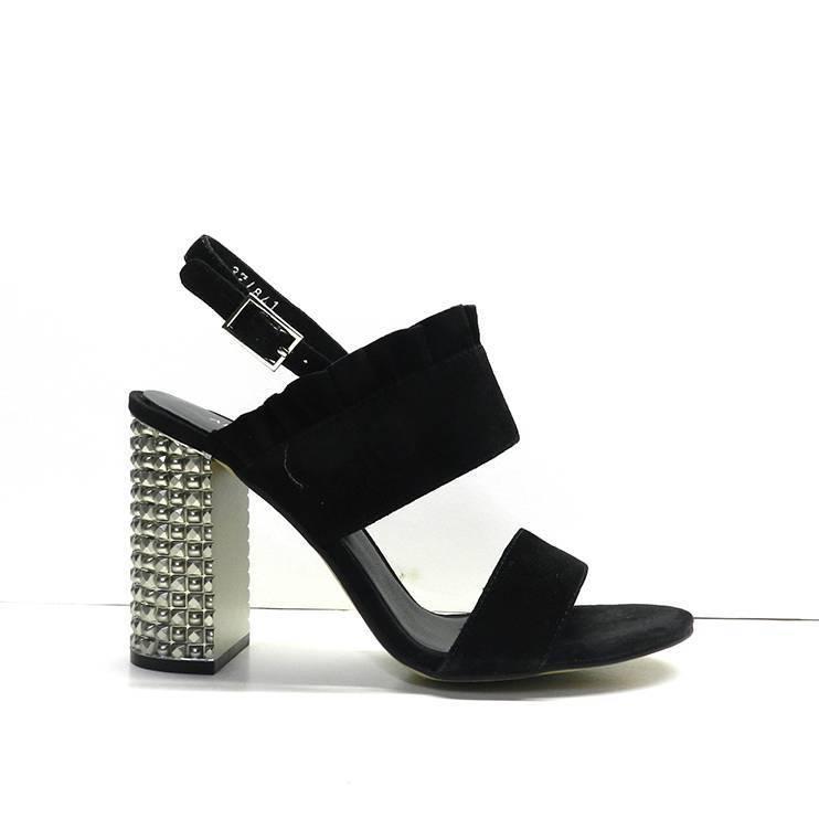sandalias de ante negro con adorno volante y tacon metal plata,marca bruno premi