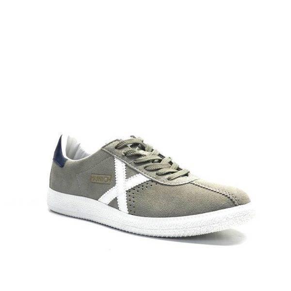 sneakers de color vison y blanco,marca munich
