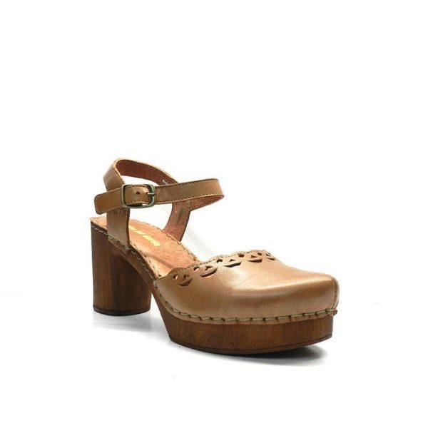 zapato de piel camel cerrado de punta y tacon 4cm