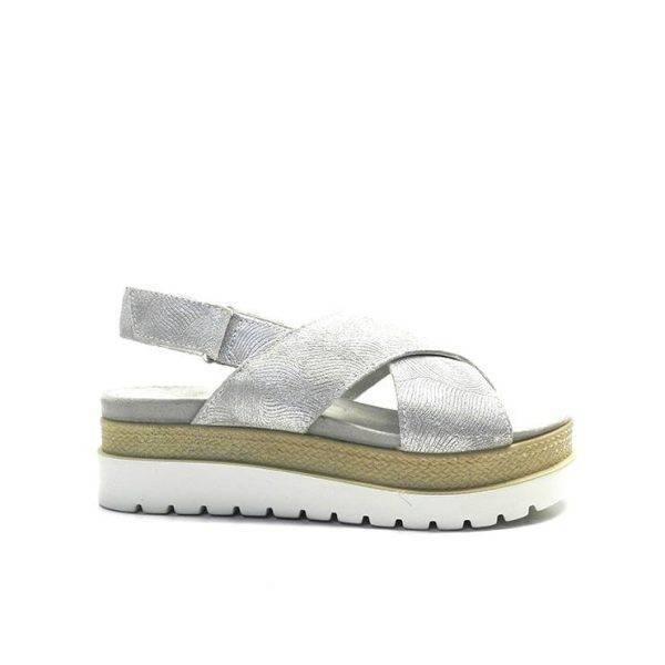 sandalias cruzadas con plataforma en tonos plata, marca imac