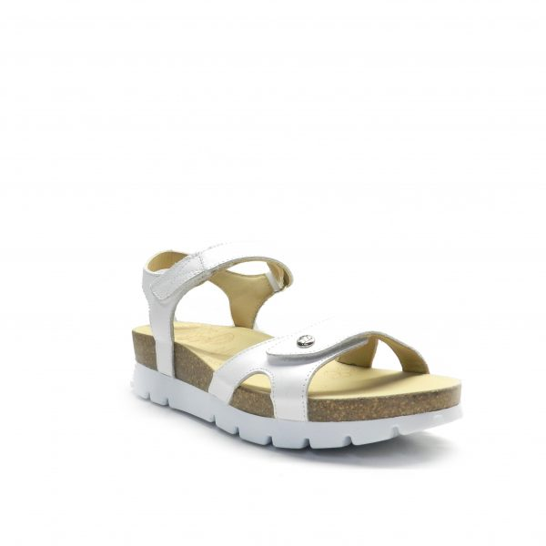 sandalias de napa con tiras de color blanco y suela anatómica de la marca panama jack.