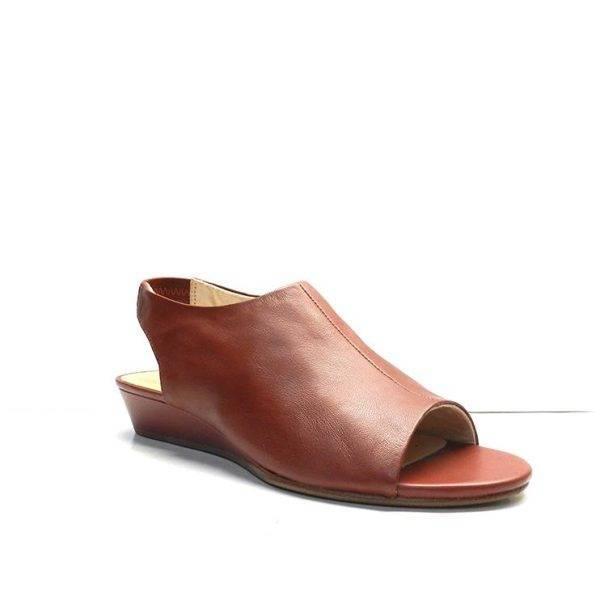 sandalias de piel abotinadas color cereza, marca clarks