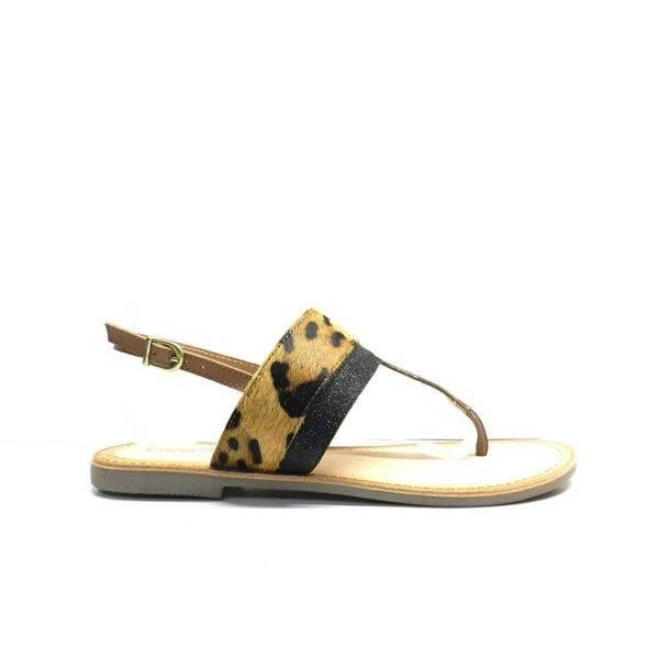 sandalias planas de dedo con empeine de estampado animal, marca gioseppo