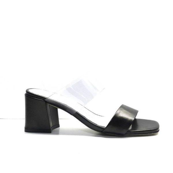 sandalias tipo chancla de dos tiras en negro y en vinilo transparente, marca pedro miralles