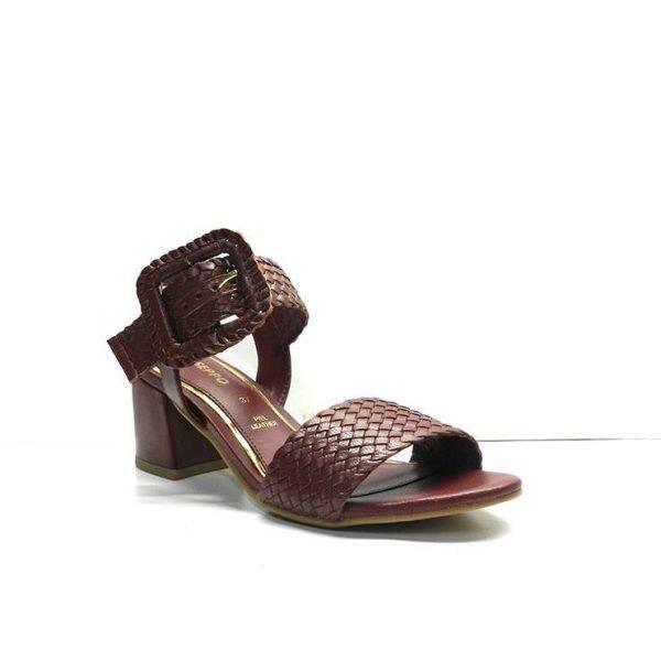 sandalias trenzada de color burdeos con tacon de 4cm. al tono, marca gioseppo