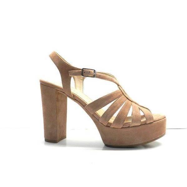sandalias de tiras nude con tacon y plataforma ,marca unisa