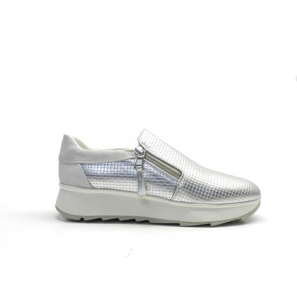 sneakers slip-on,color plata con cremallera lateral, marca geox