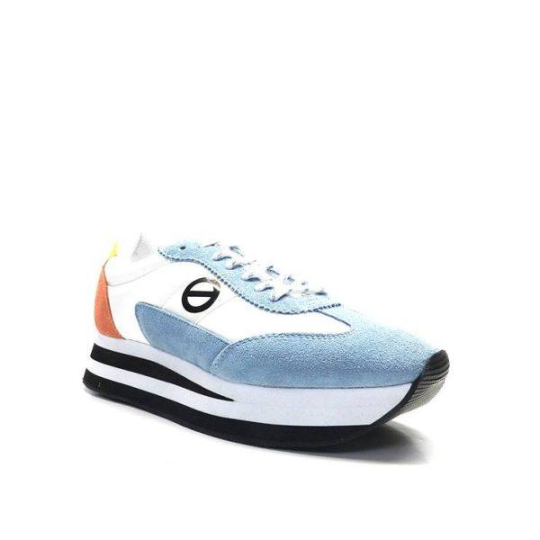 sneakers de nylon combinada en blanco ,naranja y azul, marca no name.