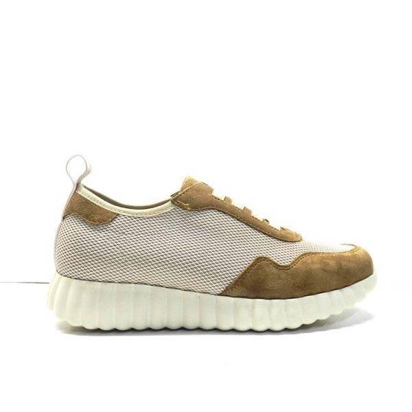 zapatos, abotinados combinados en telay ante de color cuero con suela deportiva,marca weekend .