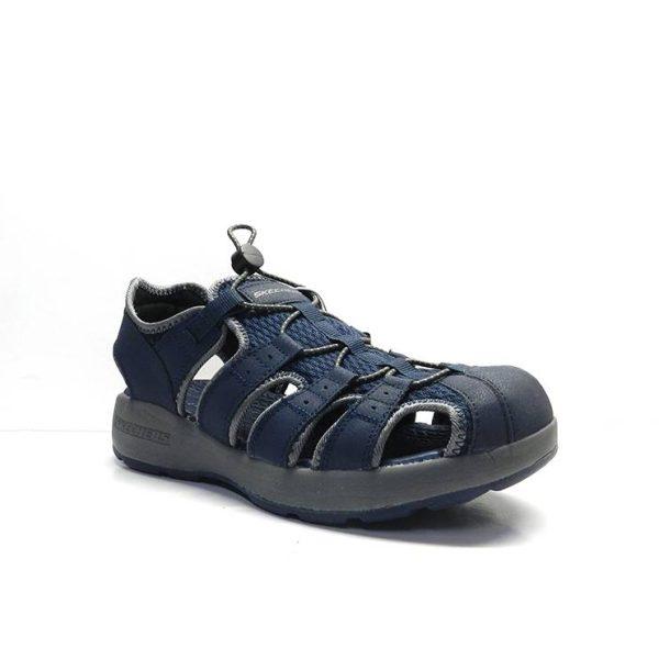 sandalias con tiras cerradas por delante de la marca skechers.