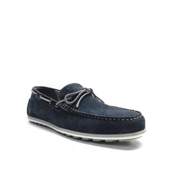 zapatos tipo mocasin en color azul marino con adorno lazo, marca geox