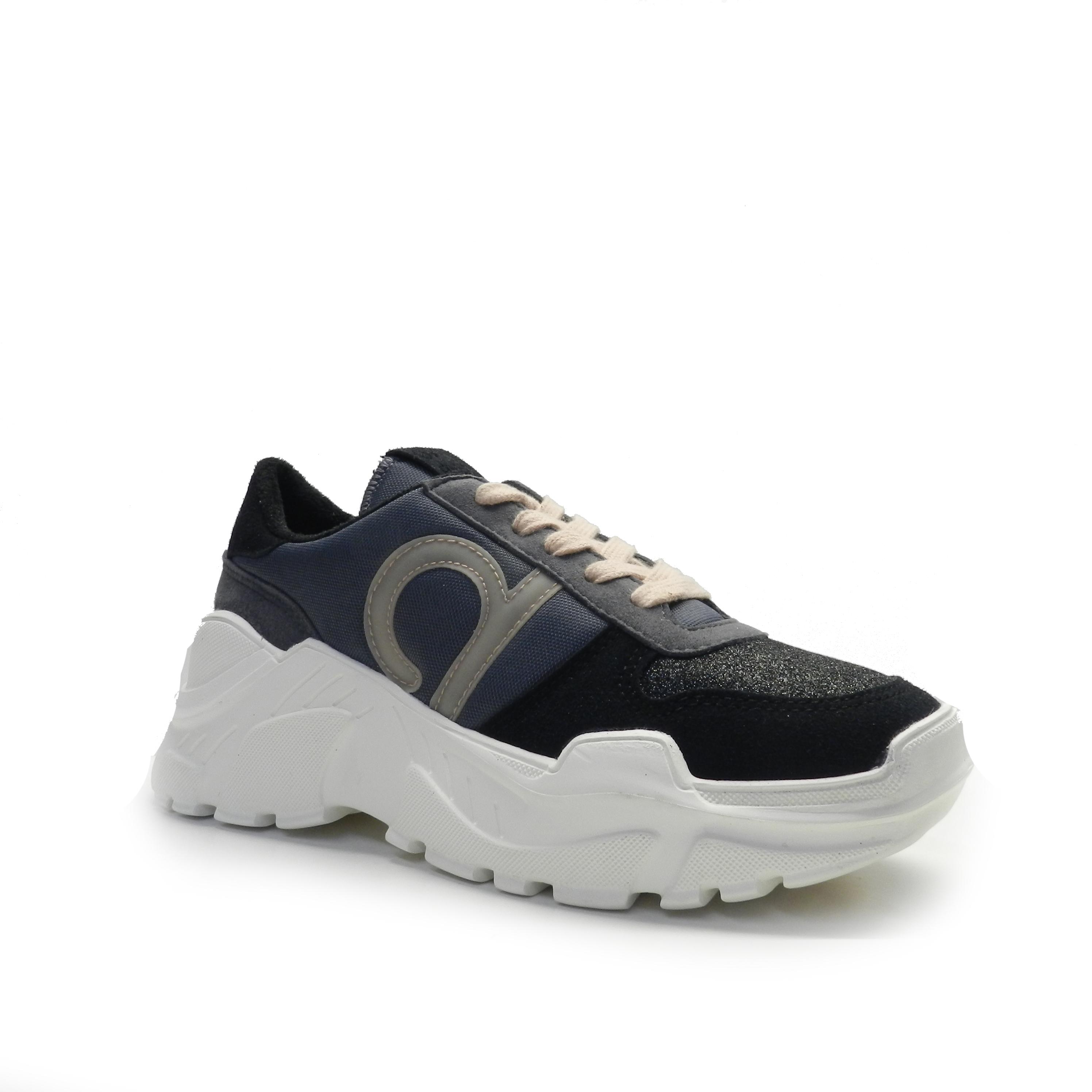 sneakers- DUUO TALK